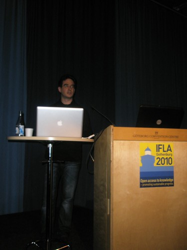 "ANDREAS HEß presents ""CONTENTUS - towards semantic multi-media libraries"""