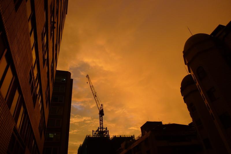 七夕雨後 詭譎的黃天