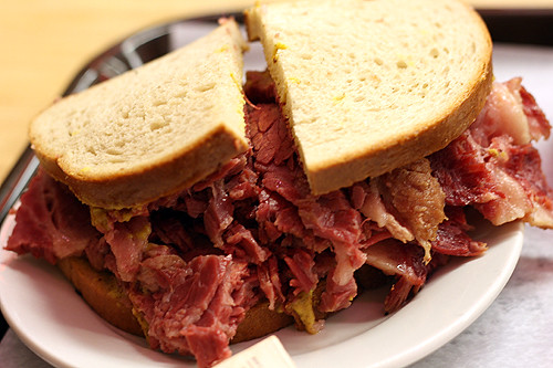 katz's corned beef sandwich