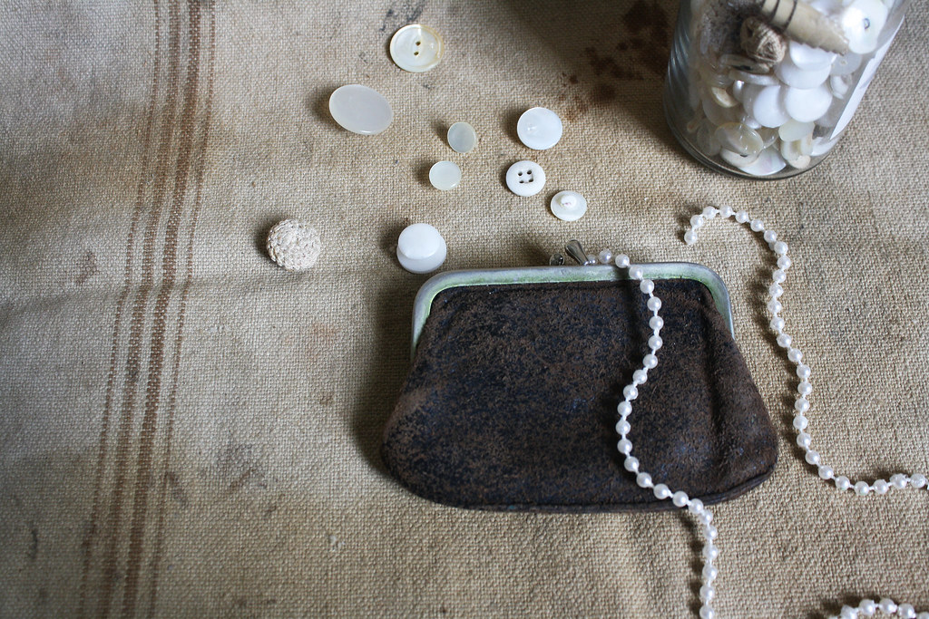 1920s tee tiny coin purse