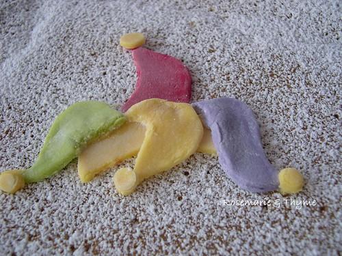 DSCN6553 - berretto a sonagli_pasta di zucchero