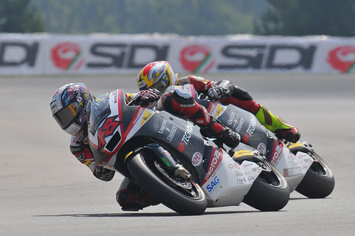 S.Tomizwaw D.Aegerter 2010 Brno moto2 GP