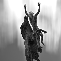 The Escape (c e d e r) Tags: longexposure sky blackandwhite bw white black statue skne europe foto sweden pegasus daytime malm milles ceder slottsparken ndfilter carlmilles staty pegasus1 nd110 flickriver aperture3 cederfoto 10stopgreyfilter daytimeexposure