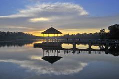 Pierce Reservoir – A sunset rendezvous (williamcho) Tags: park sunset nature water singapore reservoir attraction piercereservoir