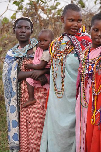 MasaiWomenandChild