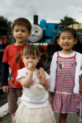 3 kids with Thomas