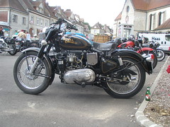 Royal Enfield et side car diesel (gueguette80) Tags: india diesel royal bikes tourdefrance sidecar enfield picardie motos motorrad somme longpre seitenwagen gavap zijspanwagen