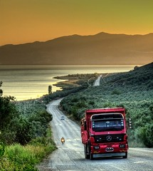Mercedes (Nejdet Duzen) Tags: road trip travel sunset lake truck turkey trkiye yol bursa gnbatm gl turkei iznik seyahat kamyon mywinners