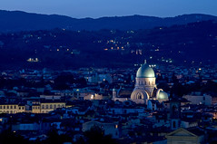 Italie - Toscane (Thierry B) Tags: italien blue italy architecture night geotagged photography florence twilight europe italia exterior photos nacht outdoor dusk dr religion synagogue bynight bleu tuscany jewish firenze synagogues toscana monuments crpuscule toscane geotag extrieur religions nocturne italie magichour nightfall     aaaaa geolocation   europen juif photographies  horizontales europedelouest  noctambule    photosnocturnes gotagg  italiedunord thierrybeauvir   beauvir lesensdusacr wwwbeauvircom droitsrservs heuremagique judaque 20100802 jourcrpusculaire daytwilight