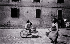 (sk31k) Tags: street motion blur monochrome bike wall shutters zeissikon fp4 15mm menorca ciutadella blackwhitephotos