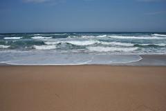 Dalgalar (Sener Design) Tags: blue sea summer sky cloud white beach water canon trkiye hard wave su blacksea karadeniz deniz kumsal ava dalga agva kpk 550d