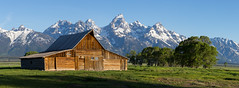 Mormon Row, Grand Teton National Park (repete7) Tags: wyoming unitedstates us grandtetonnationalpark mormonrow barn teton mountains usa panorama goldenhour sunrise landscape canon canon6d canon24105 lightroom