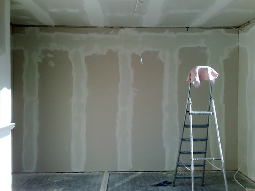 Spackling wall round 3
