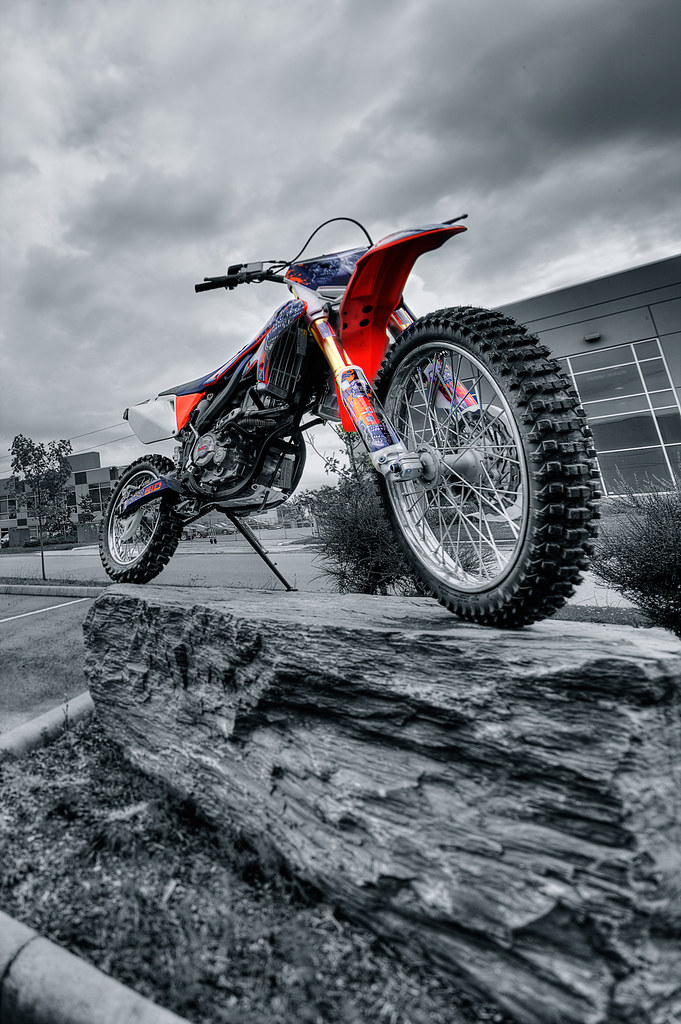 X37 GIO Dirt Bike Tilt Shift