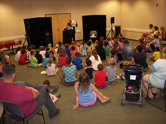 ys-srp-kick-off 003 (eg_library) Tags: magician summerreadingprogram eastgreenbushlibrary jimsnack