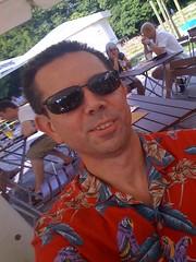@sauerstoff so, sitze im Biergarten mit Magnum-Aloha-Shirt :-)