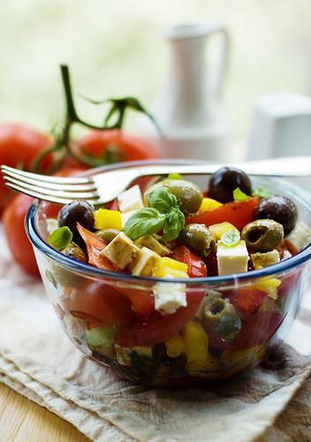 Greek-style salad 2/2