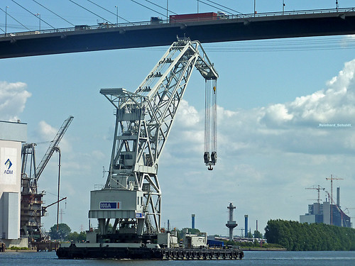 Köhlbrandbrücke floating crane under the bridge harbour Hamburg