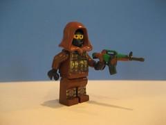 Modern Woodland soldier (Da-Puma) Tags: urban modern woodland war lego camo ghillie brickarms