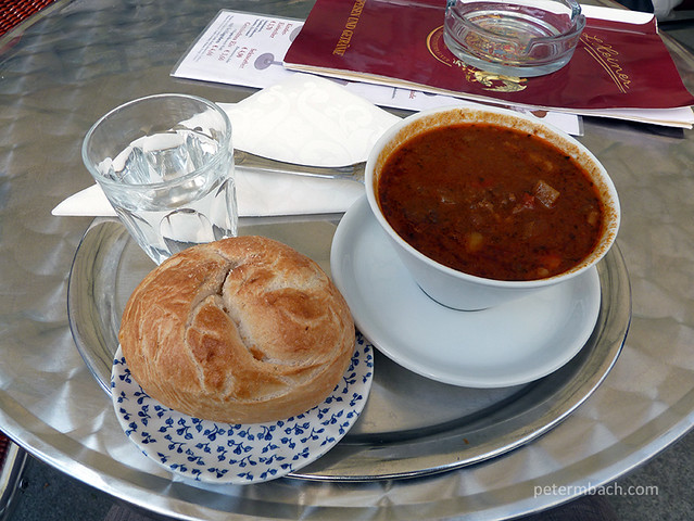 "Goulash soup with ""Semmel"""