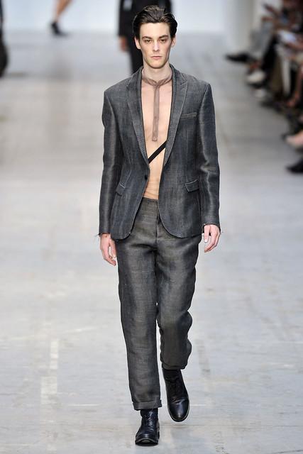 Jonas Kesseler3130_SS11_Milan_Costume National(VOGUEcom)
