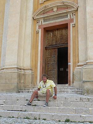 sur les marches de la cathédrale saint michel.jpg
