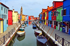 Peaceful... (strawberrylee) Tags: italy color boats canal peace burano colorfulhouses
