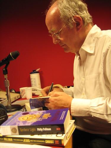 Philip Pullman book fan photo