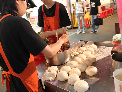 Makin' pepper buns