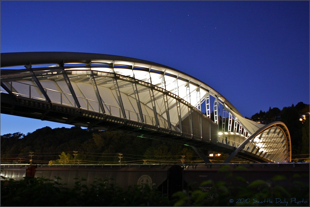 Amgen Double Helix Pedestrian Bridge