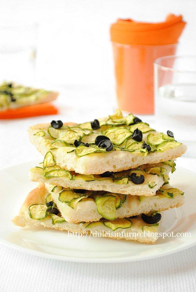 Focaccia con Zucchine e Olive Nere-Focaccia with Zucchini and Black Olives
