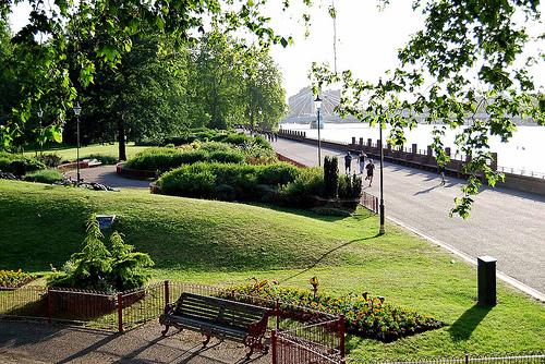 Battersea Park a la orilla del Támesis