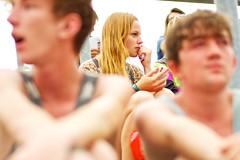 girl in the audience (Winfried Veil) Tags: leica girl festival germany deutschland 50mm dof veil bokeh rangefinder depthoffield blond highkey melt summilux asph winfried 2010 m9 meltfestival messsucher grafenhainichen madchen mobilew leicam9 winfriedveil scharfentiefe tiefenscharfe