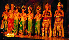 Legong Dancers Taking a Bow In Ubud (cwgoodroe) Tags: bali chicken blanco birds museum indonesia dancers rice feathers statues peacock carvings patties ubud legong paddies padies