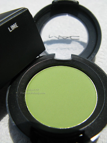 MAC Dare to Wear Lime eye shadow
