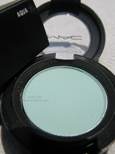 MAC Dare to Wear Aqua eye shadow