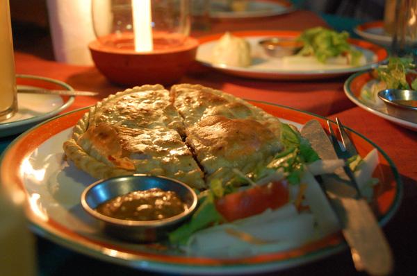 Sha bakleh (bread stuffed with meat)