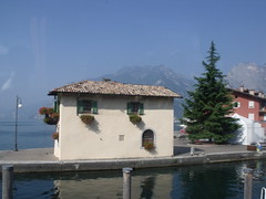 Lake Garda - Torbole - house with shutters (ell brown) Tags: italy coach riva shutters trento lakegarda lagodigarda castelletto rivadelgarda veneto torbole northernitaly brenzone castellettodibrenzone lagodibenaco lakebenaco
