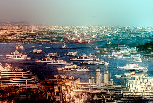 Bosphorus traffic by lmgotera