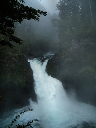 Cascada Los Alerces by katiemetz on Flickr