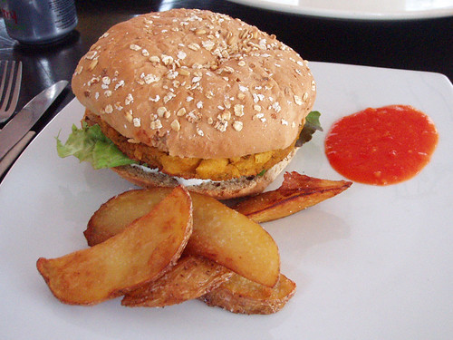 Burger with potato wedges