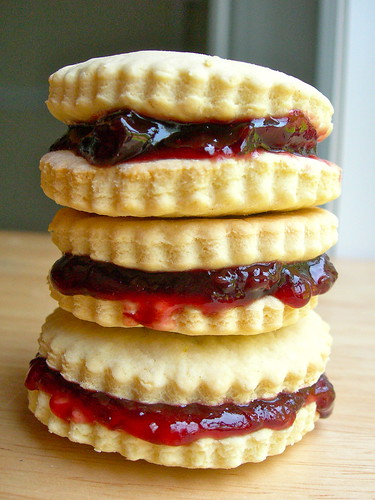 Alfajores with cherry jam