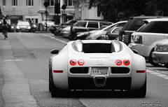 Bugatti Veyron (Niels de Jong) Tags: park city bw white black color london tower cars car canon silver eos interesting carlton dof bokeh centre sigma commons explore exotic chrome sheraton polarizer popular bugatti 18200 supercar circular jumeirah selective veyron pol arabs sloane cadogan vayron buggati explored polarisatiefilter hypercar nielsdejong 1000d ndjmedia