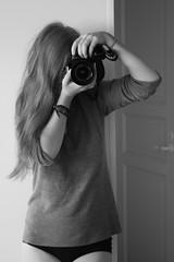 (eeviko) Tags: camera bw woman white selfportrait black girl youth suomi finland grey vegan young vegetarian omakuva finnish 18 finn bi tytt nainen suomalainen nuoruus vegaani nuori canoneos450d kasvissyj