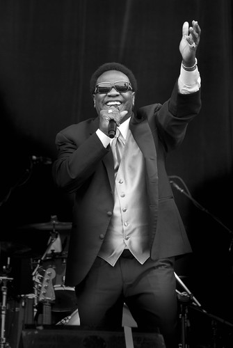 Al Green Enters His Performance at Outside Lands