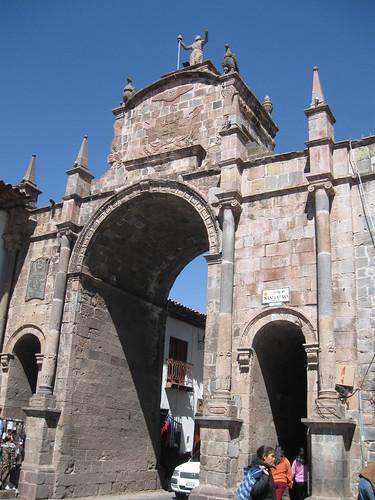 2010-4-peru-326-cuzco-santa clara gate