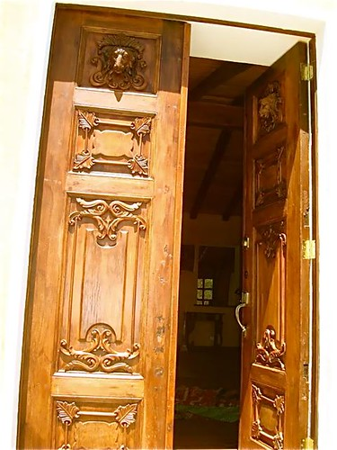 ecuador-antique-doors