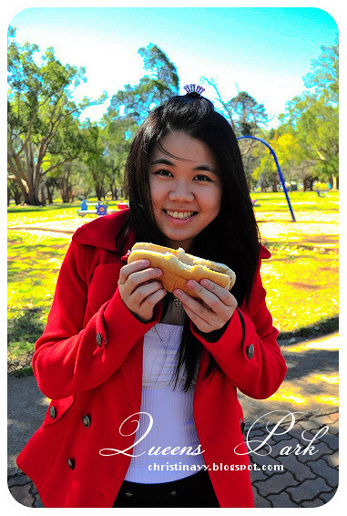 Birthday Barbecue at Queens Park: Hot Dog