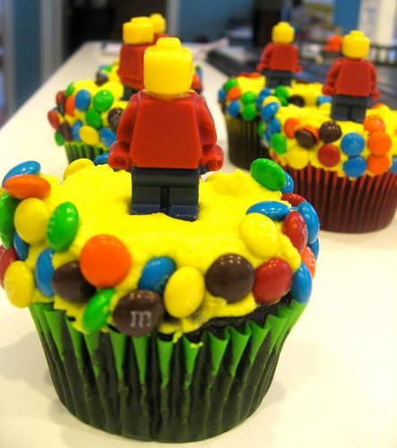 lego dude man cupcakes