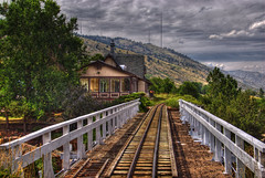 Heritage Square Railroad Bridge (Thad Roan - Bridgepix) Tags: wood railroad bridge tower train golden colorado track view rail railway denver deck railing lookoutmountain hdr antenna 201008